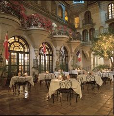 Outdoor Dining At The Mission Inn