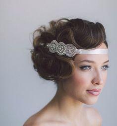Wedding hairstyle idea; Featured Photographer: Purple Wedding Tree Photography