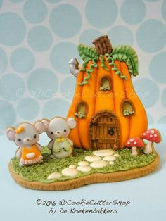 Mouse Family Cottage Cookie