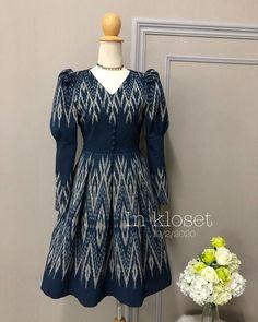 Indian Gowns Dresses, Indian Fashion Dresses, Fashion Outfits, Long Dress Design, Baby Dress Design, Designer Anarkali Dresses, Designer Dresses, Modern Filipiniana Dress, Ikkat Dresses