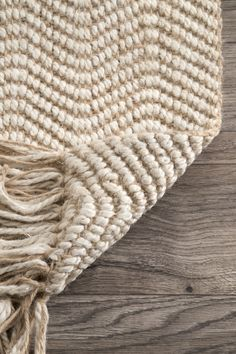 Maui Jute Wavy Chevron With Tassel Natural Rug – Rugs usa Natural Fiber Rugs, Natural Rug, Chevron Rugs, 4x6 Rugs, Rugs Usa, Jute Rug, Contemporary Rugs, Rugs On Carpet, Carpets