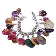 Jungle Animal Crafts For Kids - Christmas Crafts For Kids Ornaments - Button Ornaments Diy, Button Crafts, Tiffany Bracelets, Tiffany Necklace, Pony Bead Crafts, Vintage Charm Bracelet, Button Bracelet, Pony Beads, Ankle Bracelets