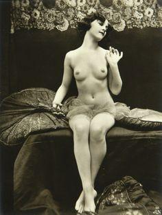 Julian Mandel for A. Noyer Studio. Study of Nude #56, Paris, Postcard, 1920s.