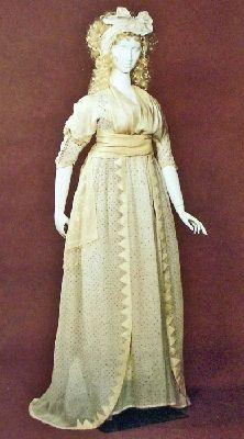 Evening Dress of Indian Cotton Muslin, 1798-1800.