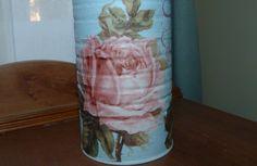 Lata Reciclada, decorada con chalk paint, decoupage y pinturas acrílicas.