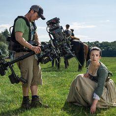 Outlander: BTS Pic of Laura Donnelly as Jenny Fraser. Outlander Show, Outlander Quotes, Outlander Season 1, Outlander Casting, Sam Heughan Outlander, Claire Fraser, Jamie Fraser, Starz Series, Tv Series