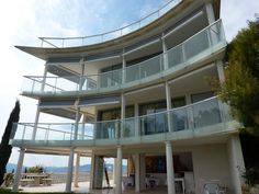 May we present to you http://www.homesud.co.uk/holiday-rentals-villa-CANNES-fiche-0636-3.html
