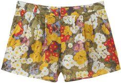 Retro flower shorts / ShopStyle(ショップスタイル): Jill Stuart フラワープリントショートパンツ
