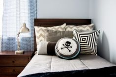 Zipper bedding for boys!!  Keep your boys room looking clean...and stay looking clean!  www.beddys.com