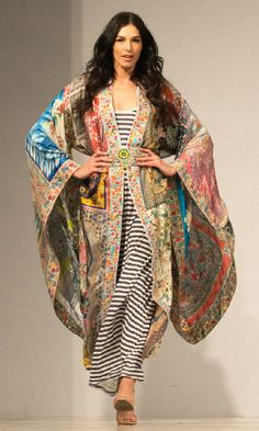 312e35924b5b3 Johnny Was Clothing Fashion Show Scottsdale Fan Fest - Custom Made Printed  Silk Short Kimono