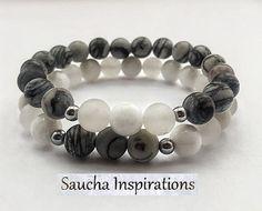 Bracelet élastique double gris et blanc par SAUCHAinspirations                                                                                                                                                     Plus
