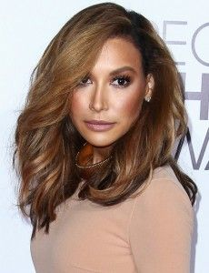 How to Cheat at Medium Hairstyles and Get Away With It. The Simplest Ways to Make the Best of Medium Hairstyles For Fall. See the latest ideas for spicing up medium hair. Gorgeous Hair, Gorgeous Women, Medium Hair Styles, Long Hair Styles, Naya Rivera, How To Get Away, Fall Hair, Face Art, Beauty Routines
