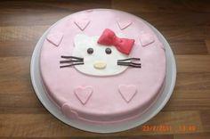 Hello Kitty Torte zum 2. Geburtstag!!
