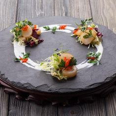 Next level plating Food Design, Food Plating Techniques, Plate Presentation, Star Food, Food Garnishes, Food Decoration, Molecular Gastronomy, Culinary Arts, Creative Food