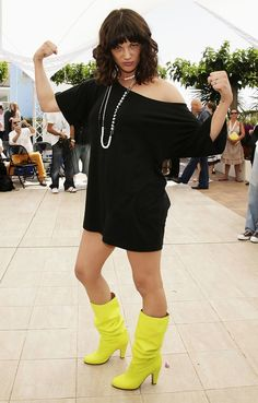 Asia Argento Tunic - Asia Argento transformed an off-the-shoulder tunic into a mini dress at the 'Go Go Tales' photocall. White Top And Blue Jeans, White Tops, Asia Argento, Off The Shoulder Tunic, Leopard Shoes, Michelle Rodriguez, Girl Inspiration, Some Girls, Jeans Pants