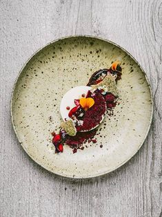 Yogurt, black currant, and fennel by chefs Paulo Airaudo and Francesco Gasbarro of La Bottega. © Alex Teuscher - See more at: http://theartofplating.com/editorial/chefs-paulo-francesco-of-la-bottega-on-quality-and-simplicity/#sthash.Nx2659k7.dpuf