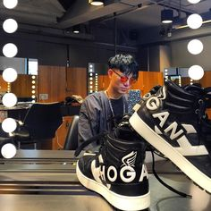 Ricky Kwok #HoganClubbingAt #HongKong with his #HOGAN H242 Maxi Logo Hi-Top #sneakers Join the #HoganClub #lifestyle and share with us your @hoganbrand pictures on Instagram.