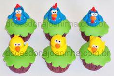 Mini cupcake decorado com A Galinha Pintadinha e Pintinho