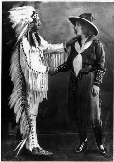 Hail Storm and his wife Alvina (Non native), 1922 Native American Images, Native American Clothing, Native American Tribes, Indian Tribes, Native Indian, Cherokee Flag, Mountain Man, Interesting History, Old West
