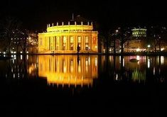 10 teatros de ópera increíbles Covent Garden, Sydney Opera, Traditional Living Rooms, Stone Columns, Theatres, Palaces, Buildings, Musica, Germany
