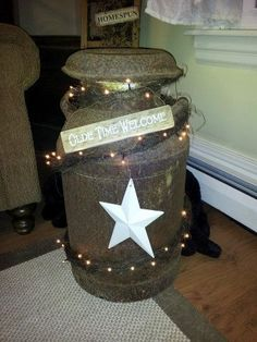 Primitive Craft Ideas / dressing up an old milk can! For beside the fireplace Prim Decor, Rustic Decor, Primitive Decorations, Primitive Crafts, Country Primitive, Country Crafts, Country Decor, Crafts To Do, Home Crafts