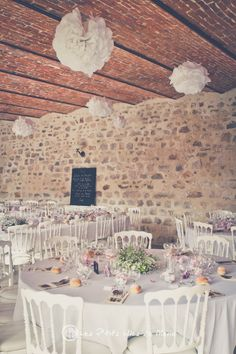 ... Déco table ronde on Pinterest  Mariage, Versailles and Barn weddings