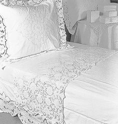 Discover thousands of images about cutwork embroidery Linen Bedding, Bedding Sets, Bed Linens, Draps Design, White Embroidery, Cutwork Embroidery, Bed Linen Design, Linens And Lace, Design Your Home