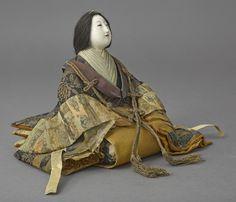 nihon-no-ningyou: A hina doll from the Edo period. Japanese Artwork, Japanese Toys, Japanese Fabric, Vintage Japanese, Hina Dolls, Art Dolls, Samurai Concept, Hina Matsuri, Daruma Doll