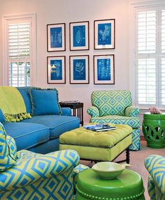 The analogous color scheme of blue, green, and blue green make up this space. The blue makes up 60, the yellow green 30, and the green 10.