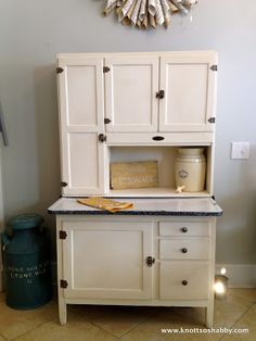 Breathing life back into Grandma's Hoosier Cabinet by Kevin and Veronica of Bliss and Blossom Designs, painted in Chalk Paint™ Old White Green Bathroom Rugs, Bathroom Interior, Kitchen Interior, Vintage Furniture, Diy Furniture, Farmhouse Furniture, Painted Furniture, Layout Design, Antique Hoosier Cabinet