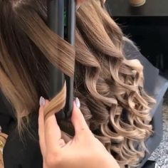 Yay or Nay? Do you use this method to curl your hair? Tag a Friend who does! 💇🏽♀️ follow @flawlesskit 💋 credi