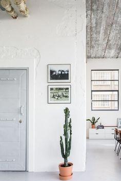 Home tour: un loft in stile industriale a Eindhoven Living Room Decor, Living Spaces, Interiores Design, Scandinavian Style, Home Decor Inspiration, Lofts, Home And Living, Interior And Exterior, Sweet Home