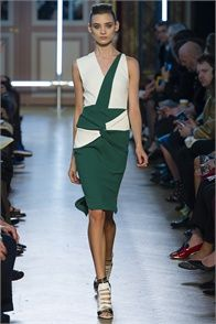 Spring Summer 2013: Roland Mouret, Paris - click on the photo to see the complete collection and review on Vogue.it