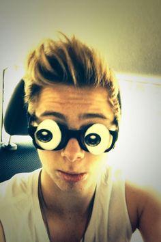 I want your glasses! aha! @Luke Hemmings