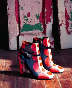 Women's Fashion High Heels : Valentino Crazy Shoes, Me Too Shoes, Bootie Boots, Shoe Boots, Art Boots, Valentino Boots, Chelsea, Leather Ankle Boots, Women's Pumps