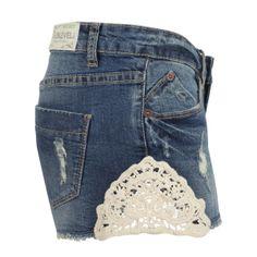 Sublevel - Hotpant mit Häkelspitzeneinsatz - günstig im Online Store FASHION5 kaufen, #häkel, #spitze, #lace, #jeans, #denim, #destroyed