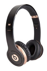 Beats Solo HD On-Ear Headphone (Black-Gold) (Discontinued by Manufacturer) Beats Headphones, Over Ear Headphones, Beats Solo Hd, Workout Accessories, Black Gold, Electronics, Shoe Bag, Shoes, Design