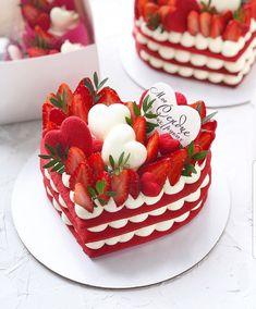 Amazing World Talents ( Mini Cakes, Cupcake Cakes, Cupcakes, Fancy Desserts, Delicious Desserts, Cake Recipes, Dessert Recipes, Number Cakes, Valentines Food