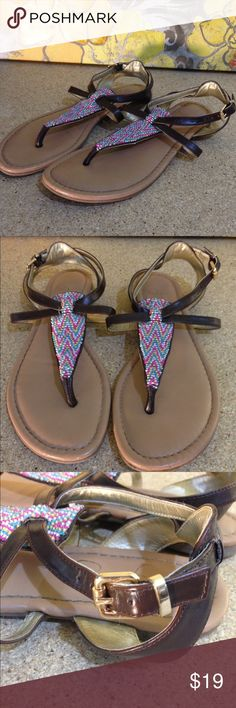 JESSICA SIMPSON - Beaded T-Strap Sandals Jessica Simpson Sandals Size: Women's 6.5 Descriptions: T-strap sandals w/ beaded chevron pattern. Gold, adjustable clasp at ankle. Condition: Excellent used condition! Light wear to bottom soles. Inventory Reference: #S135 Jessica Simpson Shoes Sandals