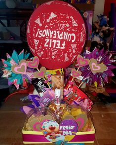 Minnie, Christmas Bulbs, Holiday Decor, Home Decor, Amor, Helium Balloons, Globe Decor, Home Crafts, Wood Boxes