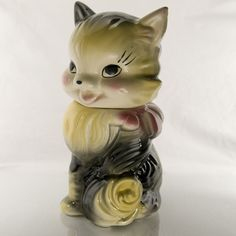 Fluffy the Cat, American Bisque Pottery Company, 1930, American Bisque, Calico, Blends from black to gray to yellow, Very good vintage condition Bisque Pottery, Ceramic Pottery, Pottery Art, Vintage Cookies, Vintage Holiday, Cookie Jars, American Art, 1930s, Biscuit