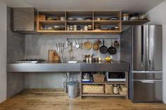 japan kitchen interior Interior Design Japan kitchen interior _ japan küche interieur _ intérieur de cuisine j Industrial Kitchen Design, Interior Design Kitchen, Industrial Kitchens, Outdoor Kitchen Design, New Kitchen, Kitchen Decor, Loft Kitchen, Japanese Kitchen, Kitchen Equipment