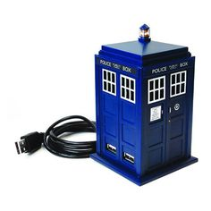 Doctor Who: Eleventh Doctor's TARDIS 4-Port USB Hub Perfect for Doctor Who fans who wish to augment their computer USB connectivity with a dimensionally transcendental vehicle. All four ports work with both powered and non-powered USB devices. Doctor Who Tardis, The Tardis, Doctor Who Shop, Doctor Who Gifts, Eleventh Doctor, Diy Doctor, Mandalay, Geek Gadgets, Cool Gadgets
