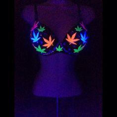 Black Light Reactive Mary Jane Rave Bra from EatSleepRaveBras on Etsy. Saved to Raves. Rave Bra, Ropa Interior Vintage, Vetement Hip Hop, Rave Outfits, Fashion Outfits, Stoner Style, Cute Bras, Stoner Girl, Diy Clothing