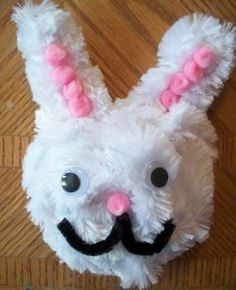 Pipe Cleaner Easter Bunny- one of the cutest bunny crafts for Easter!