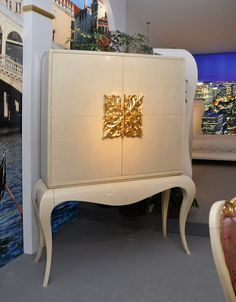 Mirrored Cocktail Cabinet | Cocktail Cabinet With Gold Leaf Detail, Luxury Drinks Bar, Designer ...