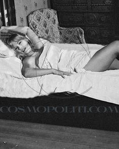 aliki vougiouklaki Famous People, Nice Dresses, Vintage Ladies, Greece, Passion, Fictional Characters, Beautiful, Girls, Women