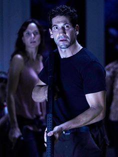 The Walking Dead - Episode publicity still of Jon Bernthal Lori The Walking Dead, Walking Dead Tv Series, Walking Dead Season, Laurie Holden, Sarah Wayne Callies, Jon Bernthal, Stuff And Thangs, Daryl Dixon, Look Cool
