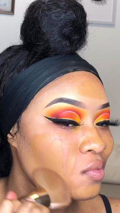 Makeup for black women: cut crease eye makeup tutorial Fancy Makeup, Creative Eye Makeup, Makeup Eye Looks, Glam Makeup Look, Black Girl Makeup, Colorful Eye Makeup, Fire Makeup, Smokey Eye Makeup, Pretty Makeup