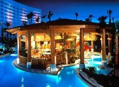 I think this is one of the best swimming pool design. I have ever seen in my life. Swimming Pool House, Cool Swimming Pools, Swimming Pool Designs, Indoor Swimming, Vegas Pools, Passion Deco, Luxury Pools, Hotel Pool, Beautiful Pools